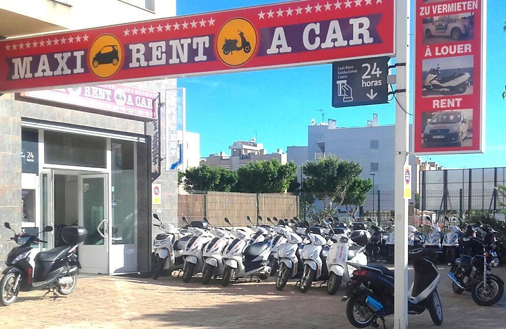 Alquilar moto en Ibiza