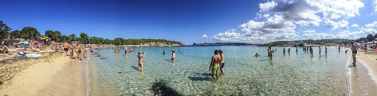 Mejores playas de Ibiza - Cala Bassa