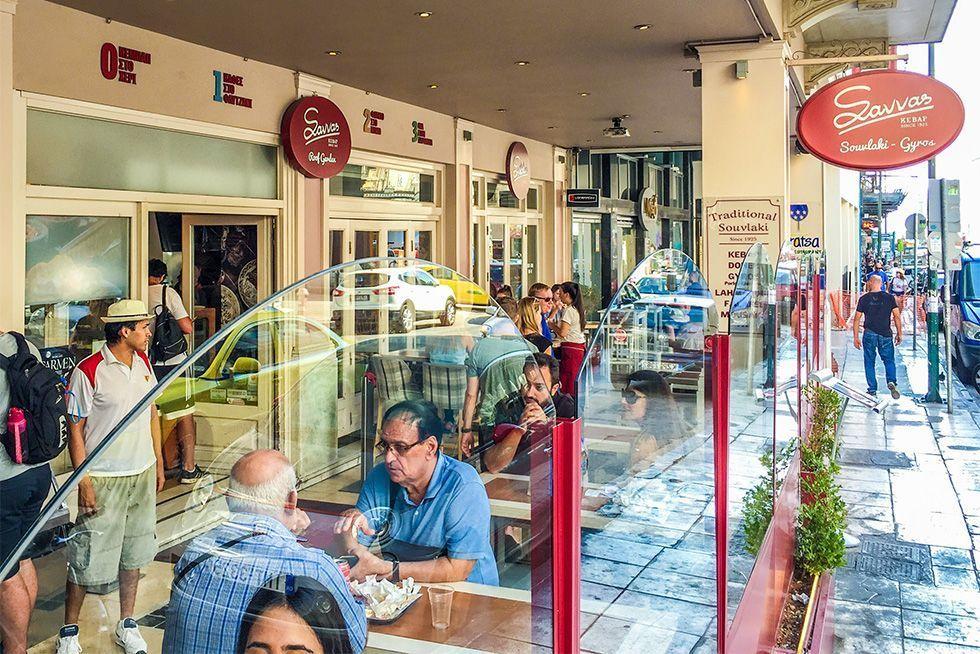 Donde comer en Atenas - Savvas la mejor musaka de Atenas