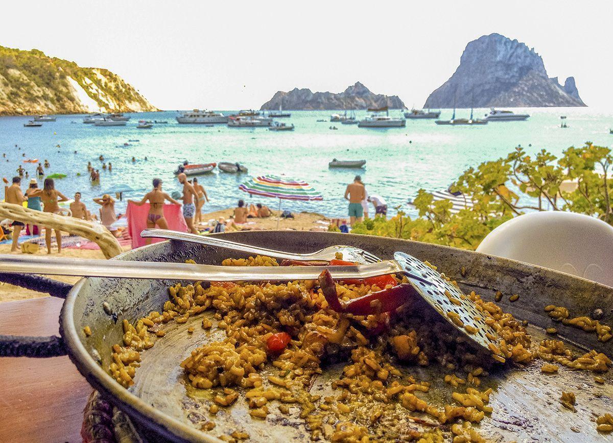 Qué hacer y ver en Ibiza - paella restaurante Cala d´Hort