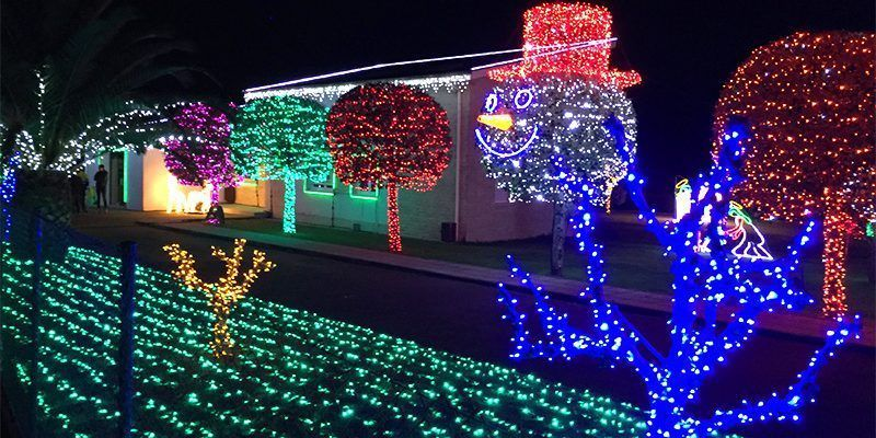 d3bc4876ff9 Casa de luces de Navidad de Parbayón. Un show digno de admiración!